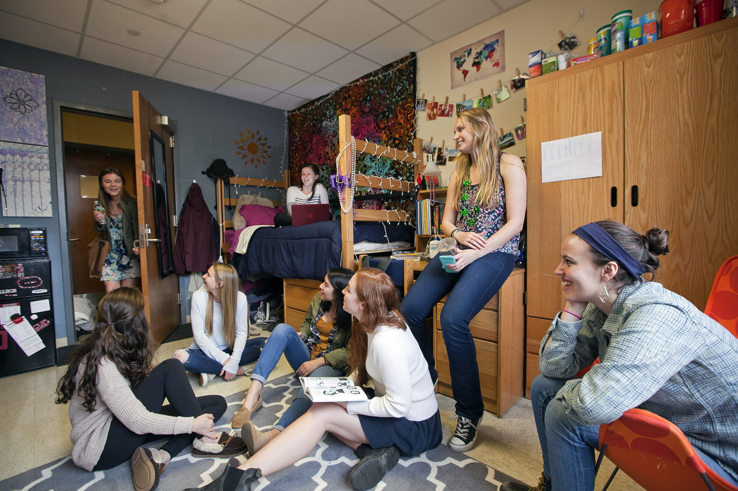 Party girls college dorm rooms are